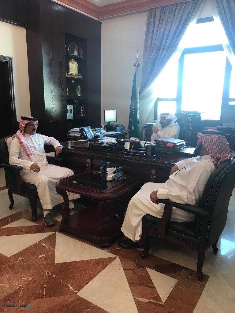 محافظ القريات يلتقي أعضاء لجنة وزارة التجارة والإستثمار المشكلة لإنتخابات عضوية مجلس إدارة الغرفة التجارية للدورة الثامنة (1439-1443)هـ