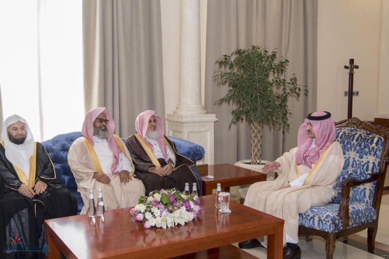 أمير الجوف يلتقي الأمين العام للمجلس الأعلى للقضاء ومرافقيه