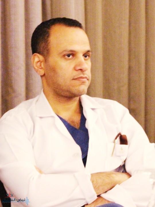طبيب سعودي ينقذ حياة مواطن تعرض لطعنة في الصدر