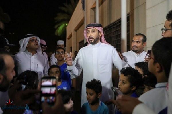 """سامي الجابر يكشف اسم المدرِّب المحتمل لقيادة """"الهلال"""""""