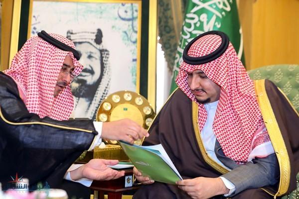 نائب أمير الجوف يستقبل نائب مدير مدينة الأمير محمد الطبية بالمنطقة