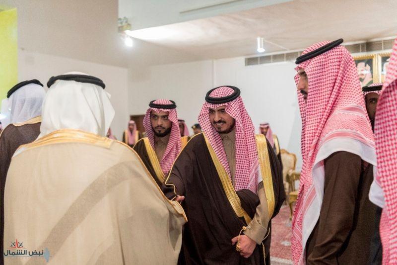 أمير الجوف يستقبل المواطنين والمسئولين بمحافظة القريات