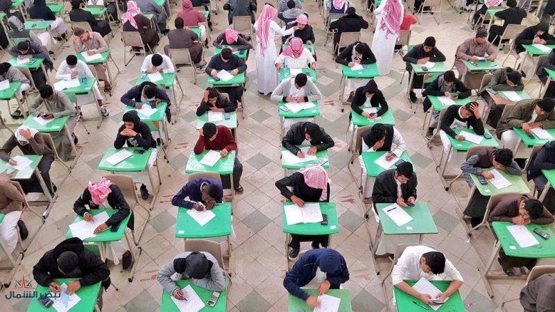 بالصور.. انطلاق الاختبارات النصفية بمختلف المدارس المتوسطة والثانوية بالمملكة