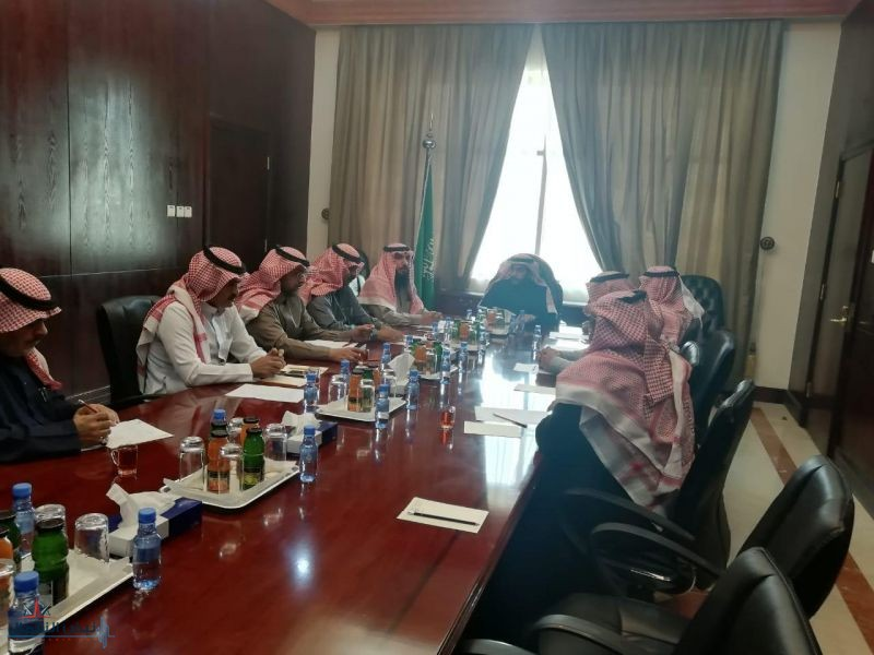 محافظ القريات يترأس اجتماع مجلس إدارة نادي الفروسية بصالة الاجتماعات بمقر المحافظة