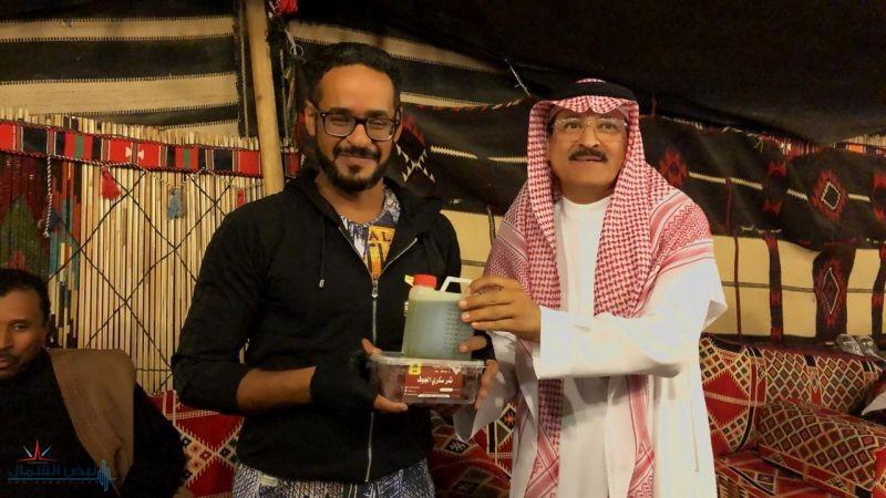 الدراج الحمد يحضر من الشرقية خصيصا ليشاهد جناح الجوف المشارك بمهرجان الجنادرية 33