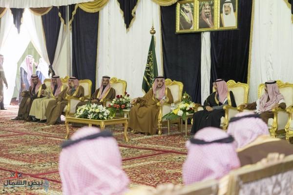 أمير الجوف يستقبل المواطنين والمسئولين بمحافظة طبرجل