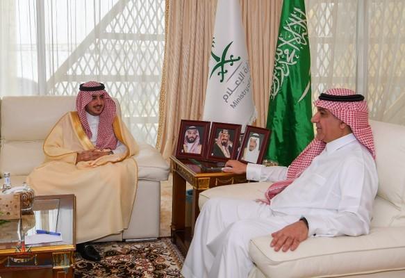 أمير الجوف يلتقى وزير الإعلام وينوه بالدور الإعلامي في التنمية