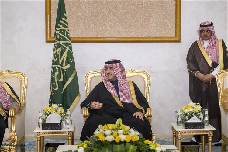 أمير الجوف يستقبل المواطنين والمسؤولين بمحافظة طبرجل