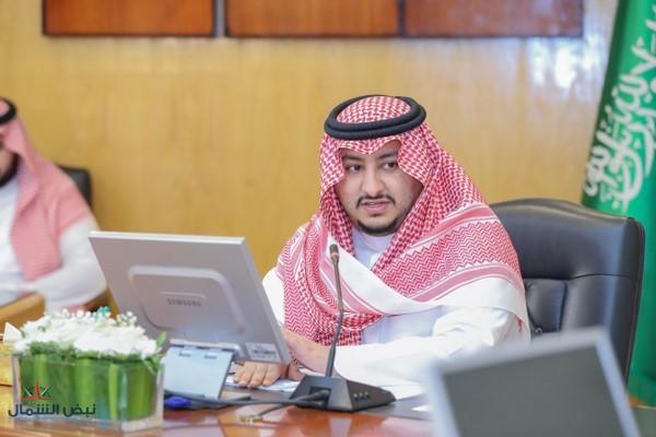 نائب أمير الجوف يجتمع بوكلاء الإمارة المساعدين لبحث تطوير الأداء