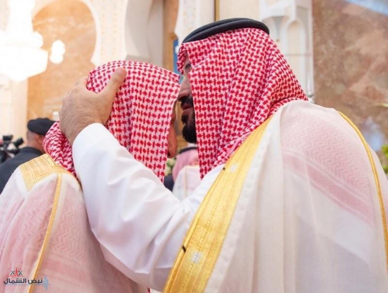 مشهد ولي العهد مع مفتي عام المملكة يتصدر التواصل الاجتماعي.. إعجاب وثناء