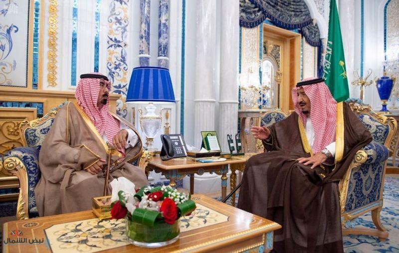 خادم الحرمين الشريفين يستقبل أسرة الفقيد اللواء عبد العزيز الفغم رحمه الله