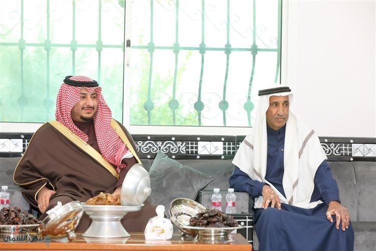 الأمير عبدالعزيز بن فهد بن تركي بن عبدالعزيز يعزي أسرتي الوشيح والجباب