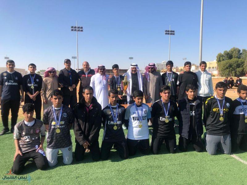 ثانوية الملك سعود بطل دوري كرة القدم لمدارس دومة الجندل