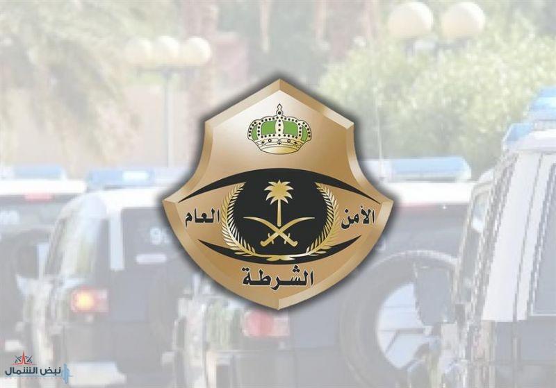 شرطة مكة تضبط مقيما أنشأ معملا لتزوير هوية مقيم وبطاقات التأمين وتصاريح الحج