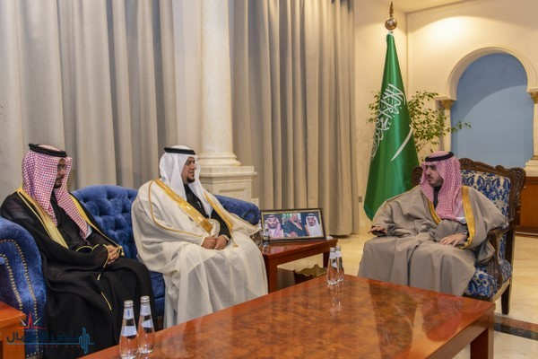 أمير منطقة الجوف يستقبل مديري صحة الجوف والقريات