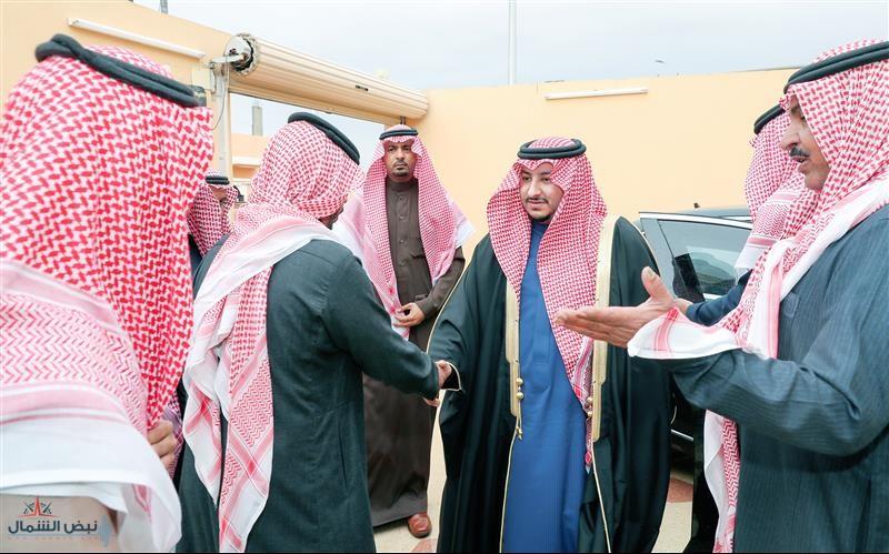 أمير الجوف بالنيابة يعزي أحد منسوبي الإمارة بوفاة والدته