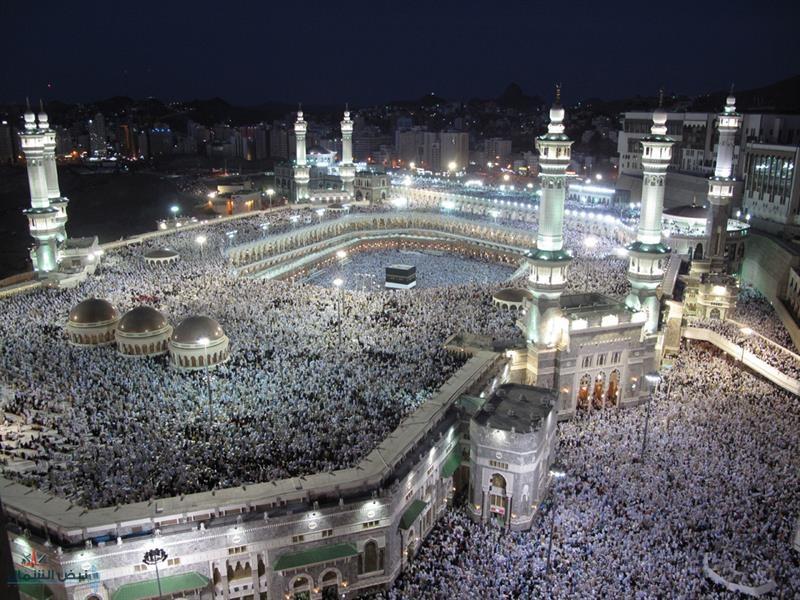 لسلامة قاصديه.. غسل وتعقيم أرضيات المسجد الحرام 4 مرات يومياً