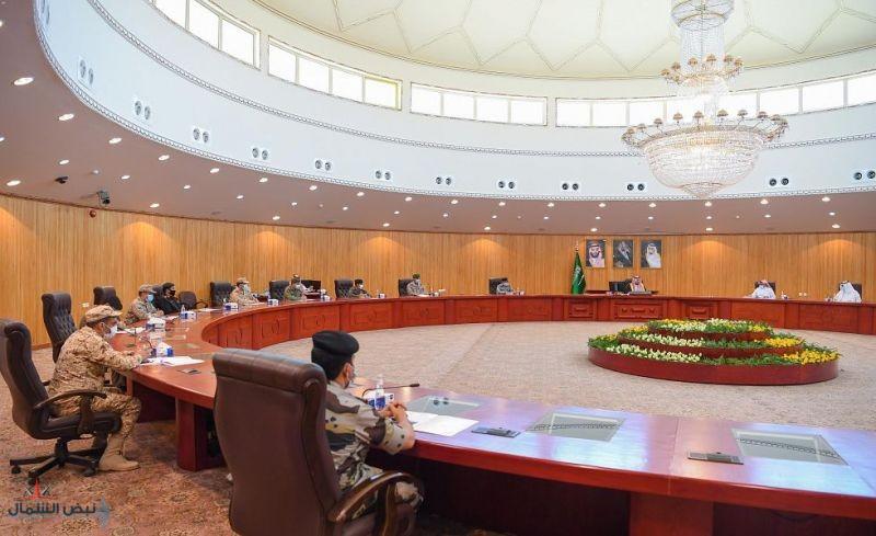 سمو أمير الحدود الشمالية يرأس اجتماع اللجنة الأمنية