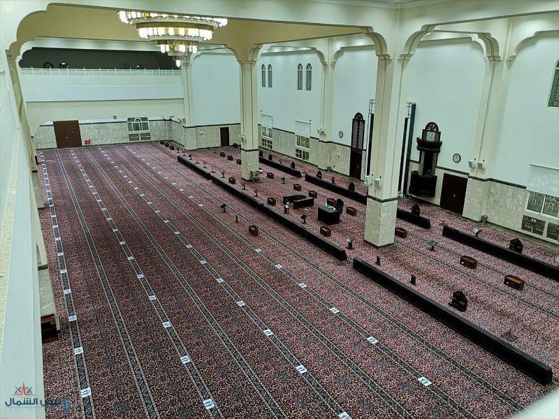 """""""الشؤون الإسلامية"""" تغلق 8 مساجد بعد ثبوت 10 حالات إصابة بكورونا بين المصلين"""