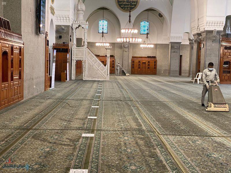 الشؤون الإسلامية تغلق 18 مسجدا مؤقتاً وتعيد فتح 13 مسجدا