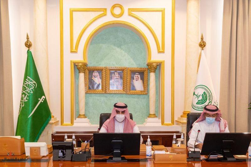 سمو أمير الجوف يبحث مع وزير الصناعة الاستفادة من الفرص الاقتصادية والتنموية والاستثمارية التي تتمتع بها المنطقة