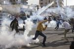 إصابة عدد من الفلسطينيين بالاختناق خلال مواجهات مع قوات الاحتلال شرق بيت لحم