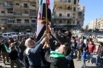 غارة جوية تصيب سوقا بسوريا والمعارضة تطالب باحترام الهدنة