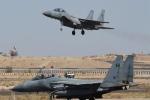 التحالف يقصف مواقع للقاعدة وداعش على أطراف عدن