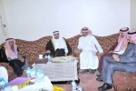 محافظ القريات يقوم بزيارة الدكتور الفندي والشيخ العنزي