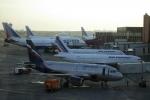 صاعقة تصيب 3 طائرات في موسكو