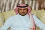 الزميل الإعلامي سعود الحوام يرقد على السرير الأبيض