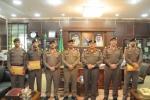 مدير شرطة منطقة الجوف يكرم عدداً من ضباط وأفراد شرطة منطقة الجوف لتميزهم في اداء عملهم