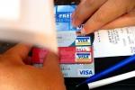 """""""التجارة"""": لا يحق للمتاجر إضافة رسوم عند الشراء منها ببطاقات الائتمان"""