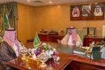 نائب أمير الجوف يلتقي بمدير عام البريد السعودي بالمنطقة