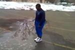 فيديو: شاب حاول اللعب في بركة مياه فغرق فيها