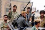 بقذائف أصابت عددًا من الجنود قبل الانسحاب.. الإرهاب الحوثي يقصف مواقع الجيش شرق الحديدة
