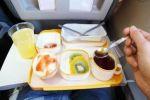 أطعمة يُنصح بتناولها أو تجنّبها على الرحلات الطويلة