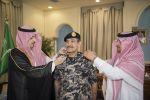 أمير الجوف يستقبل قائد أمن المنشآت ويقلده رتبته الجديدة