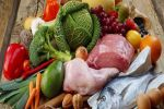 دراسة تحذر من أكل الأطعمة النيئة وغير المطبوخة جيداَ