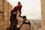 """""""داعش"""" يرمى 9 أشخاص من مبنى شاهق في الموصل بتهمة الشذوذ الجنسي"""