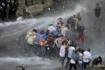 """احتجاجات بيروت.. """"طلعت ريحتكم"""" تنقل اعتصامها لـ""""الشهداء"""" وتتبرأ من """"رياض الصلح"""""""